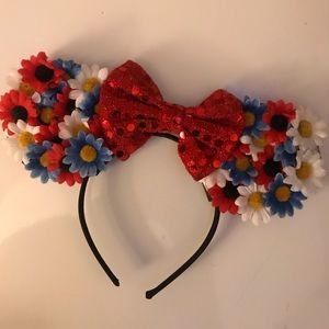 Custom Minnie Mouse ears!